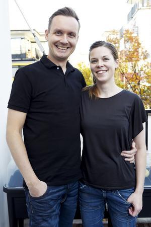 Elisabeth Byström och Johan Ernfors är aktuella med boken