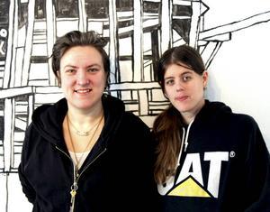 Jessica Eklund och Hanna Gustavsson i EKAÖ på Galleri Lars Palm i Sandviken