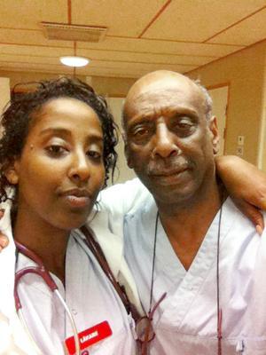 Emy Maru tillsammans med sin pappa Fikru Maru, innan han fängslades i Etiopien.