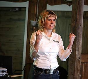 Inför ett välbesökt frukostmöte pratade Mia Karlsson om Hallstahotellets framtid.