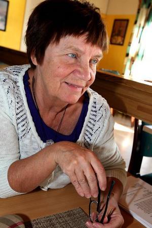 Gunilla Hedin avslutar sejouren som ordföranden för socialnämnden. Nu väntar nya utmaningar och trots att det varit turbulent för henne och många andra så är hon nöjd med sitt verk.  Foto: Håkan Degselius