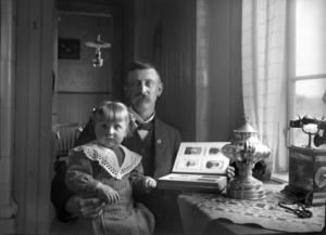Månadens bild - O.E. Clason med dottern Anna Clason