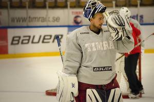 Joakim Lundström är med på Timrå IK:s träningar i väntan på kontrakt inför nästa säsong.