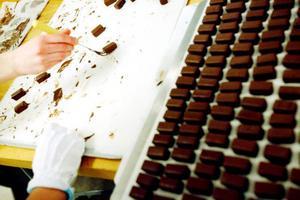 Praliner, praliner och åter praliner. Det är jultider och till veckan öppnar livsmedelsprogrammet på Palmcrantzskolan dörrarna för godsaksförsäljning på Körfältet.