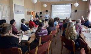 Det var fullsatt i Storsäterns bystuga när Torbjörn Wallin och Leo Persson sjösatte det nya projektet Vision 2015 som ska leda till utveckling av turistdestinationerna i Särna, Idre och Grövelsjön.