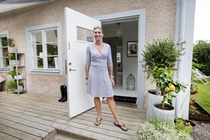 Annika Bodotter bor i sommarhuset i Oslättfors året om.