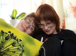 Yvette Edh och Malin Larsson har hängt ihop länge och förstår varandra bra. Nu bor de grannar.