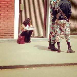 Emy Maru fick inte komma in i rättssalen när åtalet mot Fikru Maru togs upp i Addis Abeba förra veckan.