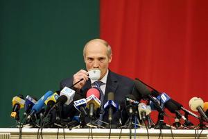 Förtryckare. Vitrysslands president Lukasjenko har haft makten i 20 år, och tillåter inte fria och rättvisa val. Foto: AP, Scanpix/TT