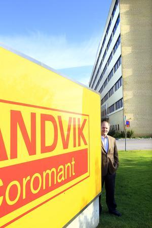 STARKT vARUMÄRKE. Sandvik Coromants gula rockar och gulröda varumärke kommer att bestå och fortsätter samsas med koncernens blåvita skyltar, försäkrar Klas Forsström, ny chef för Sandvik Coromant sedan 1 september.