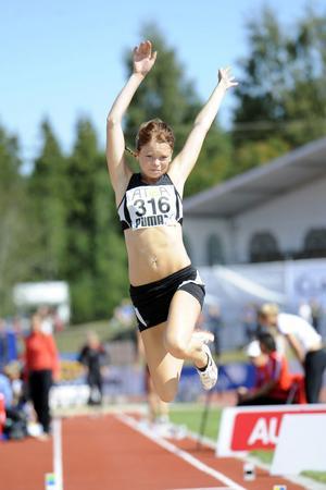 Elin Sångberg, Strand, förbättrade sitt årsbästa vid friidrotts-SM i Gävle. Men tyvärr räckte det inte till finalplats.