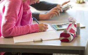 Skolan behöver i första hand mindre klasser så att lärarna hinner med alla elever.Foto: FREDRIK SANDBERG / SCANPIX