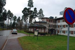 Arbetsmiljöverket har fått ta emot en anmälan angående hot mot en socialsekreterare i Rättviks kommun.