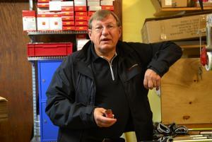Galen byråkrati. Kjell Krazt är bedrövad över det ska behöva ta så mycket pengar och tid från företagarna. Foto:Lynda Lundin