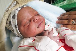 Även Absenay Mussie Debru var trött efter förlossningen .