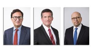 I SBB: styrelse sitter, från vänster: ordförande Lennart Schuss, ledamot och vd Ilija Batljan, samt Seth Lieberman. Övriga tyrelsemedlemmar (som inte är med på bild) är: Sven-Olof Johansson, Hans Runesten och Eva Swarts Grimaldi.