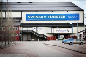 Svenska Fönster Arena i Edsbyn. I söndags spelades sista matchen för säsongen för a-laget i hemmahallen.
