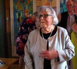 Gudrun Eriksson var överväldigad av hyllningskören.