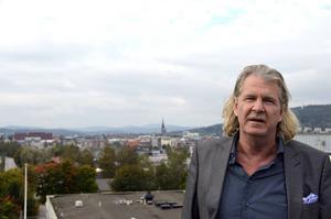 Stig Svedberg och hans Tvättbjörnen köper två handelsfastigheter i Gävle.