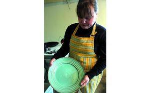 sofiacarlsson7:Hon arbetar halvtid på förskola och halvtid med sin keramik men ambitionen är att ha keramiken som en heltidssysselsättning.- Jag vill ge det här en chans, det är en barndomsdröm som gått i uppfyllelse.