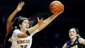 Under säsongsuppehållet i amerikanska proffsligan WNBA spelar Amanda Zahui i Turkiet. Tidigare har hon spelat för Minnesota.