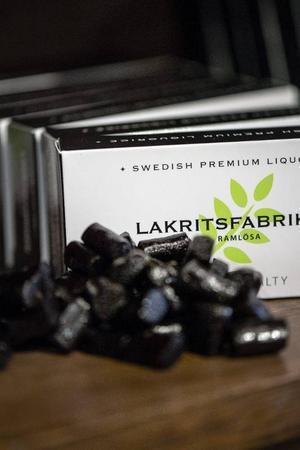 Rålakrits manglas om och blir pastiller.Foto: Vilhelm Stokstad/TT
