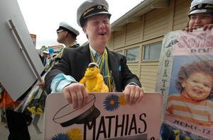 Fyra års studier är avklarade och Mathias Hallberg från Söderhamn var lycklig.