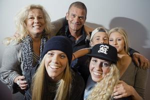 Familjen Parnevik med Mia, Philippa, Jesper, Peg, Phoenix och Penny har synts i TV3:s serie