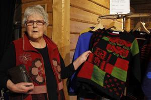 Margareta Gisselsson fanns på plats med sina stickade tröjor som görs enligt intarsiatekniken.