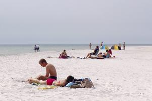 Bildtext 5: Vid Dueodde finns en väldig sandstrand som är Bornholms bästa.   Foto: Anders Pihl