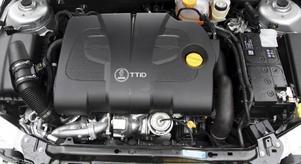 Samma gamla Fiat-diesel som för sex år sedan, men skickligt vidareutvecklad i Italien och ytterligare finslipad i Trollhättan. 180 hästkrafter till en förbrukning av bara 0,45 liter milen är imponerande.