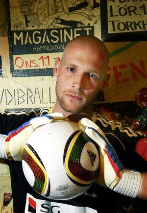 Tommy Naurin är målvaktssuverän hos Giffarna med flera fina insatser.