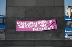 Magda Rasmusson och Sandra Fogelberg från grön ungdom kritiserar Anders Borg för hans försök att surfa på den feministiska vågen.