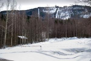 Norrlandsportens skidanläggning har försvunnit.