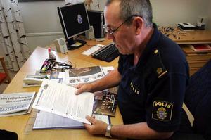– Invånarna i Nordanstigs kommun borde ha rätt till en egen polisstation. Det anser fortfarande Rolf Johansson som för övrigt bestämt sig för att gilla läget det år han har kvar som polis.