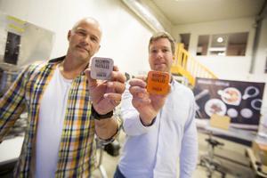 Kenneth Wallström och Erik Vestin jobbade på Läkerolfabriken. Med nystartade företaget Brand of Gefle väcker de liv i Gävles långa tradition av godistillverkning.