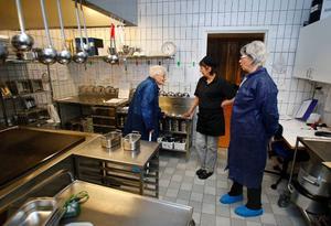 – Mycket är ändrat sedan min tid berättade Ulla Lindberg för Helena Burvall och Birgitta Månsson.