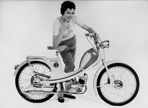 Mopeden skulle leda det svenska folket in i den moderna tidsåldern. Här en Roulette från Husqvarna.