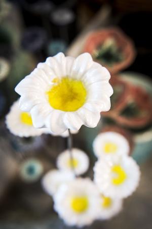Att Mattias Rustan tycker om blommor i alla dess former märks inte minst i keramiken.