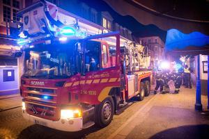 Inga personer behövde evakueras ur den fastighet där branden startade.