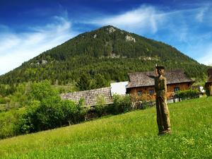 I bergsbyn Vlkolinec har tiden stått stilla.    Foto: Lukasz Miegoc/Shutterstock.com