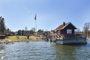 Renoverad fastighet i Bönan med anor från 1700-talet.