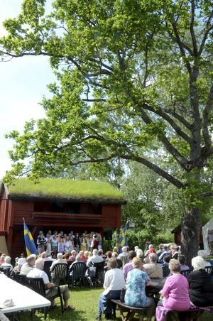 Programmet i Högan var omfattande med både tal, musik, körsång och prisutdelning.