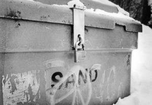Ett antal sandlådor i Örnsköldsvik kommer att hållas låsta för att privatpersoner inte ska ta innehållet. Bild: Arkiv
