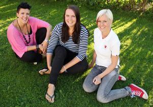 Camilla Persson, Karolina Norlin och Maria G Nilsson är tre av flera unga kvinnliga företagare som dykt upp i Edsbyn den senaste tiden. De är överens om att man har glädje att vara flera.