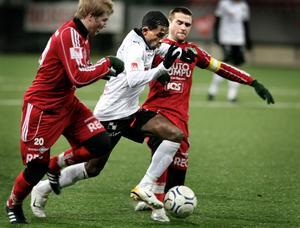 Christoffer Wiktorsson (till vänster) kan vara på väg till ÖSK.