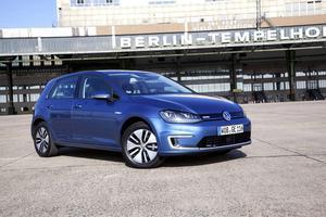 Elbilarna får en höjd supermiljöpremie. Volkswagen eGolf för en bonus på 60 000 kronor enligt förslaget.