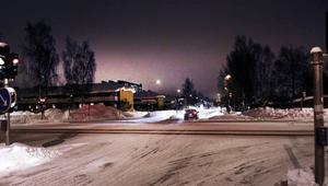 Brottsplats. Här i korsningen Barrsätragatan/Sveavägen misshandlades 20-årige Andreas på nyårsnatten.