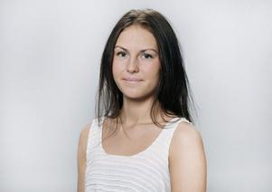 Gun Djusberg är kock på Kärvens förskola. Här svänger hon ihop en linsgryta.