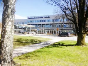 Väktare blir allt mer närvarande på sjukhuset i Västerås.